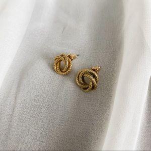 VTG Gold Texture Circle Knot Stud Earrings